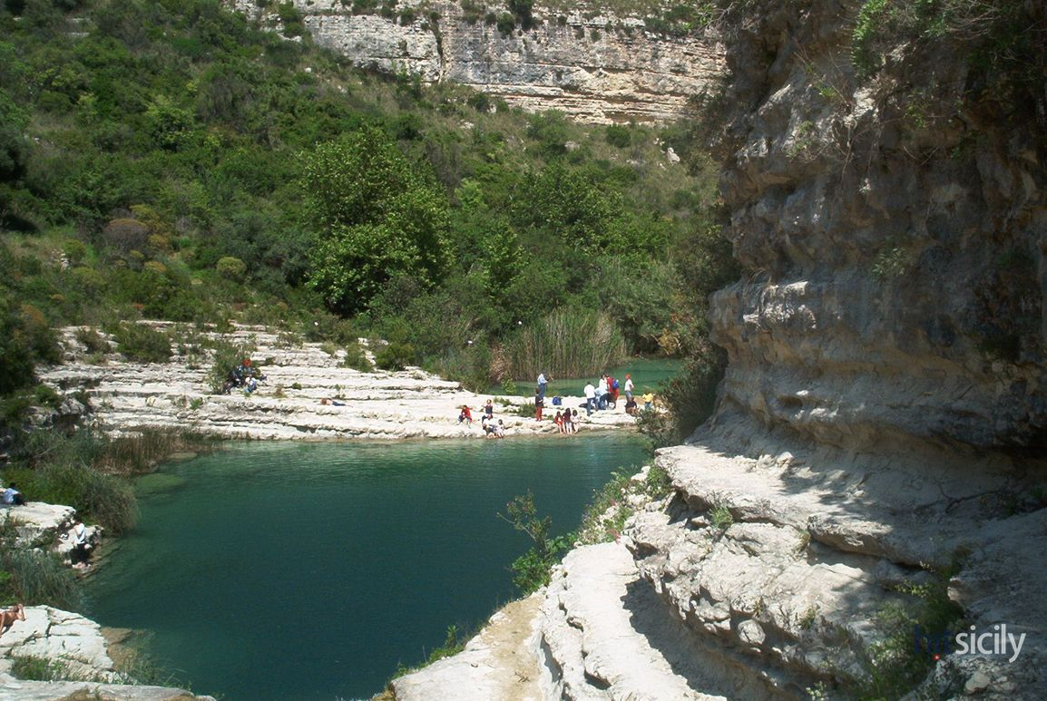 pantalica-lake-sicily-1_42562_6190